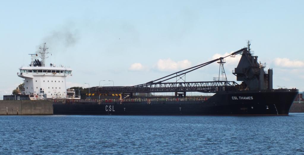 CSL Thames auf dem Weg zum Braunschweigkai